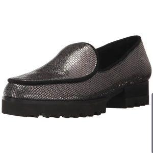 Beautiful Donald Pliner Elen loafer size 9.5